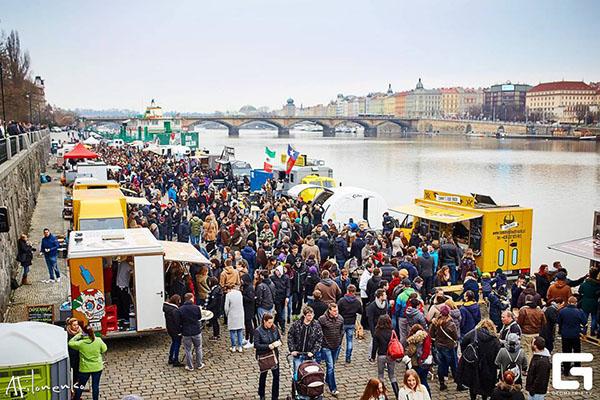 Food truck show Praha 2016